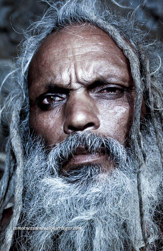 sadhus en india