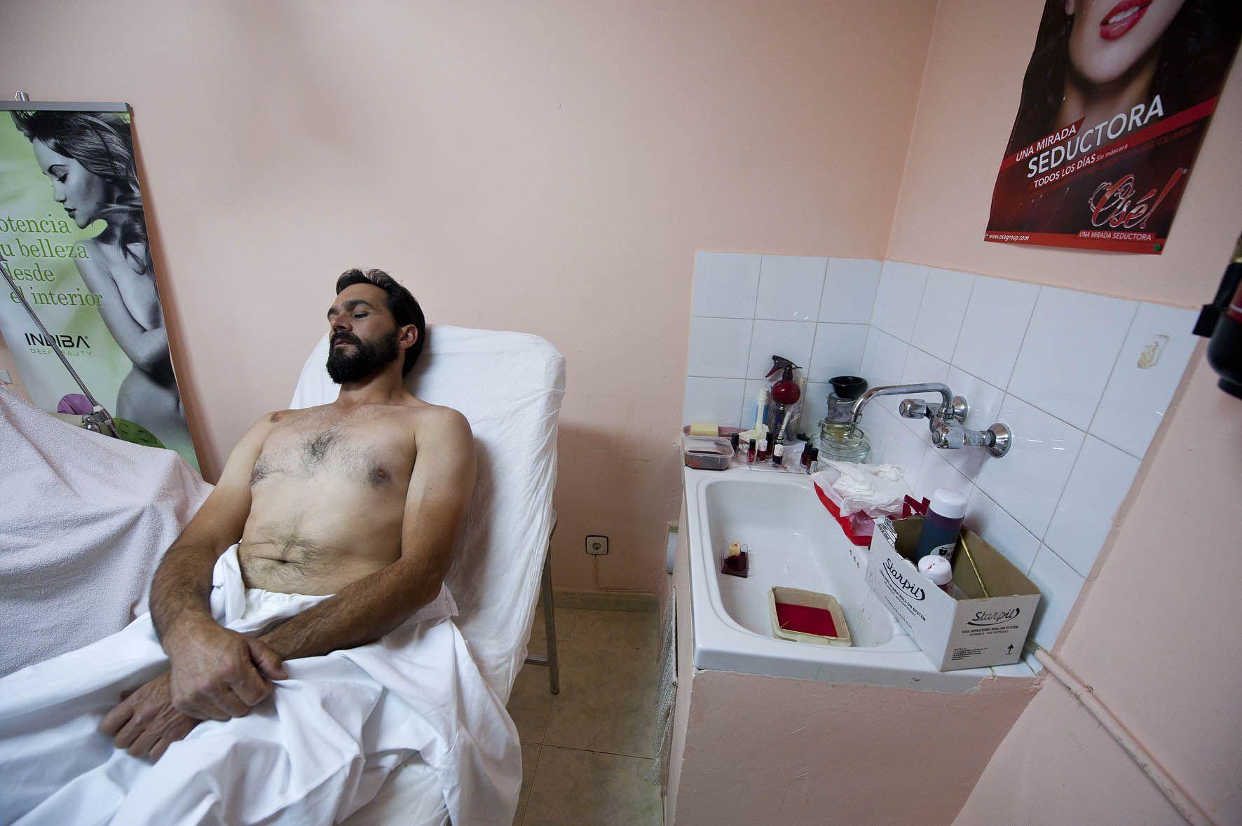 Reinaldo, protagoniza al Señor, esperando para el maquillaje, La Pasión, Chinchón.