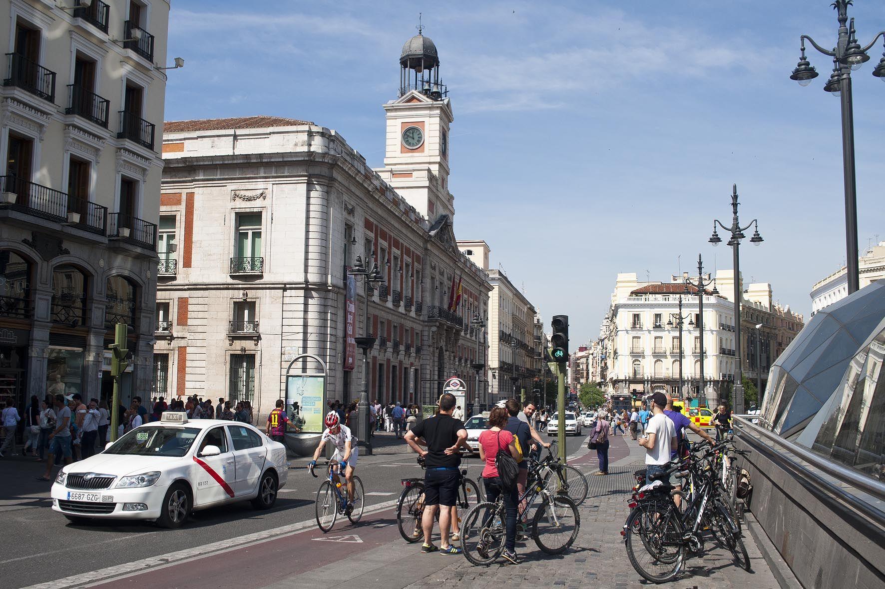 Ruta en bicicleta por Madrid, Puerta del Sol.