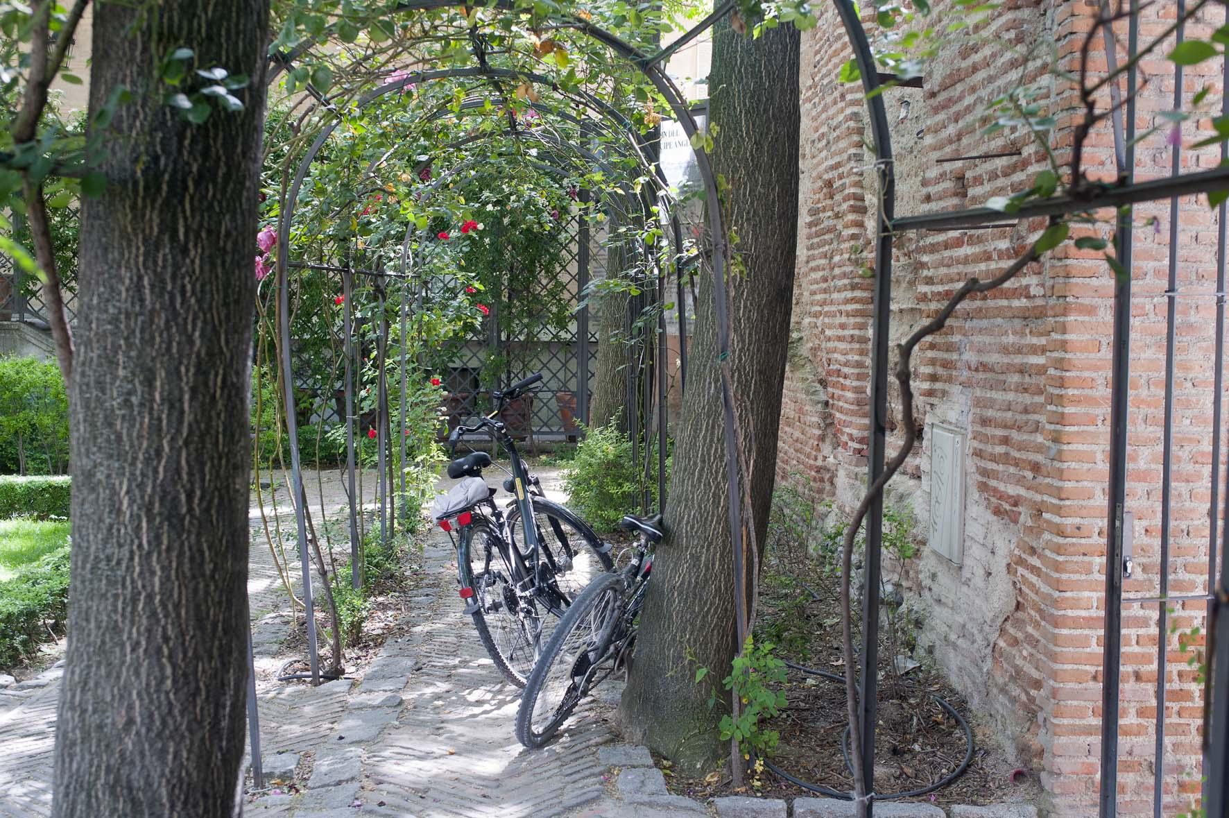 Ruta en bicicleta, Jardines escondidos de Madrid, Jardin del principe de Anglona.