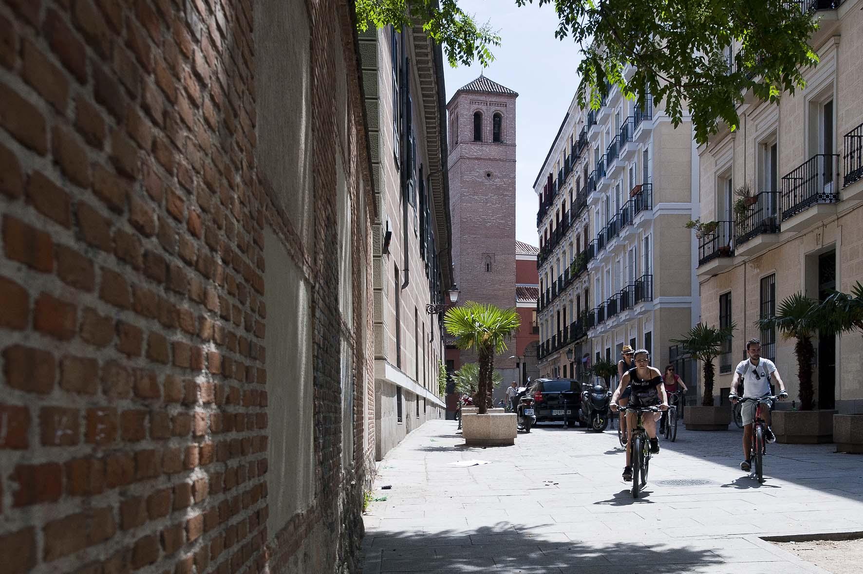 Rutas en bici por Madrid, Plaza de la Paja.
