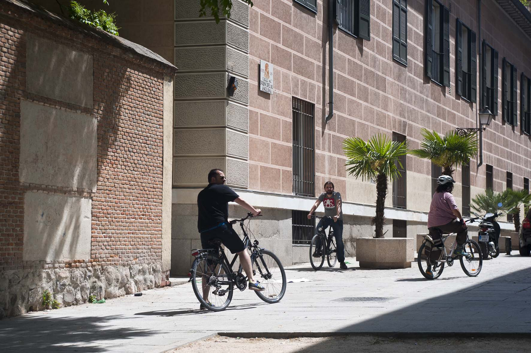 Ruta en bicicleta, Jardines escondidos de Madrid,Plaza de la paja