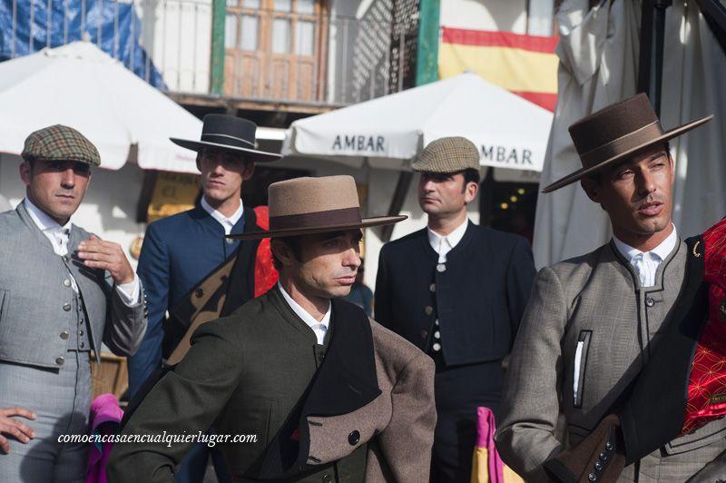 Los toreros momentos antes de entrar a la plaza.