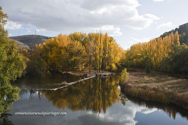 el rio duero a su paso por Soria en otoño
