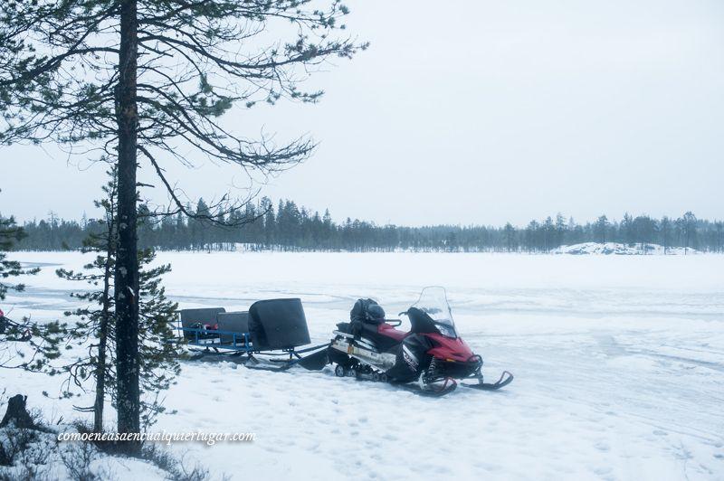 pesca en el hielo en rovaniemi