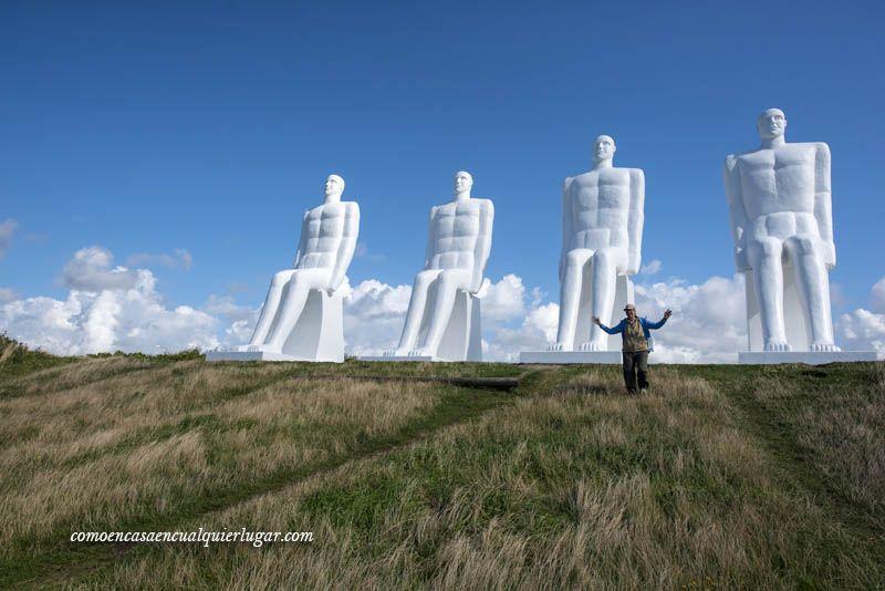 el hombre encuentra el mar en Esbjerg Dinamarca Svend Wiig_foto_Miguel Angel Munoz Romero_005