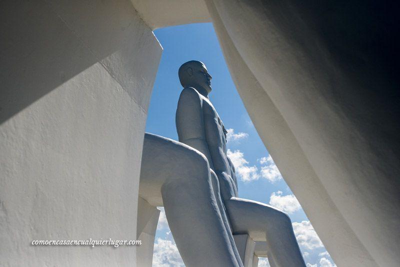el hombre encuentra el mar en Esbjerg Dinamarca Svend Wiig_foto_Miguel Angel Munoz Romero_004