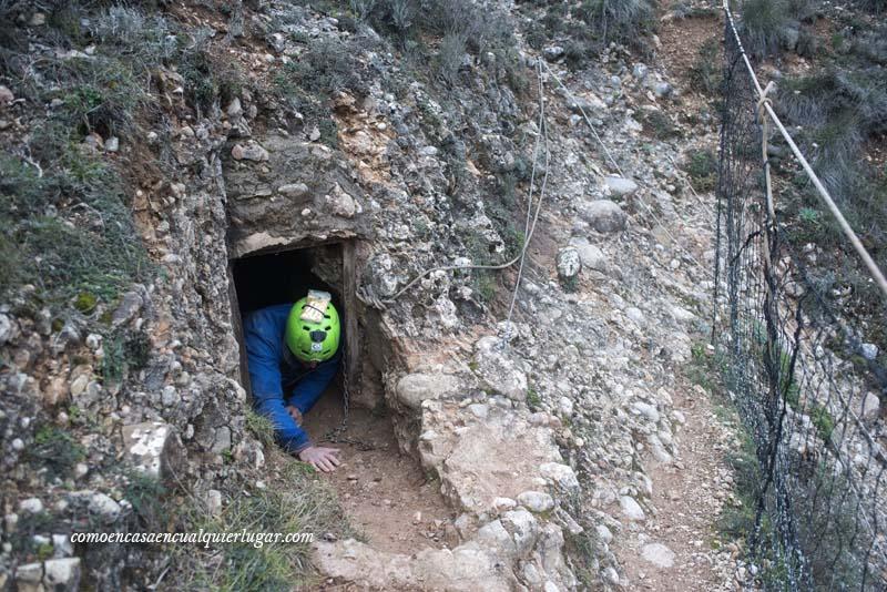 Cueva Fuentemolinos Puras de villafranca Burgos foto Miguel Angel Munoz Romero_001