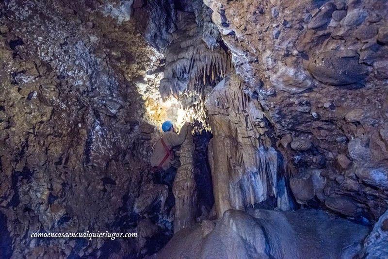 Cueva Fuentemolinos Puras de villafranca Burgos foto Miguel Angel Munoz Romero_004