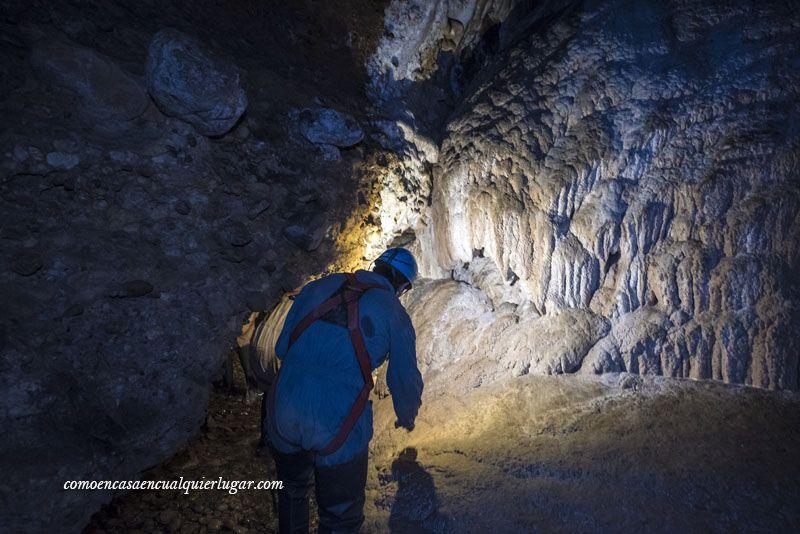 Cueva Fuentemolinos Puras de villafranca Burgos foto Miguel Angel Munoz Romero_005
