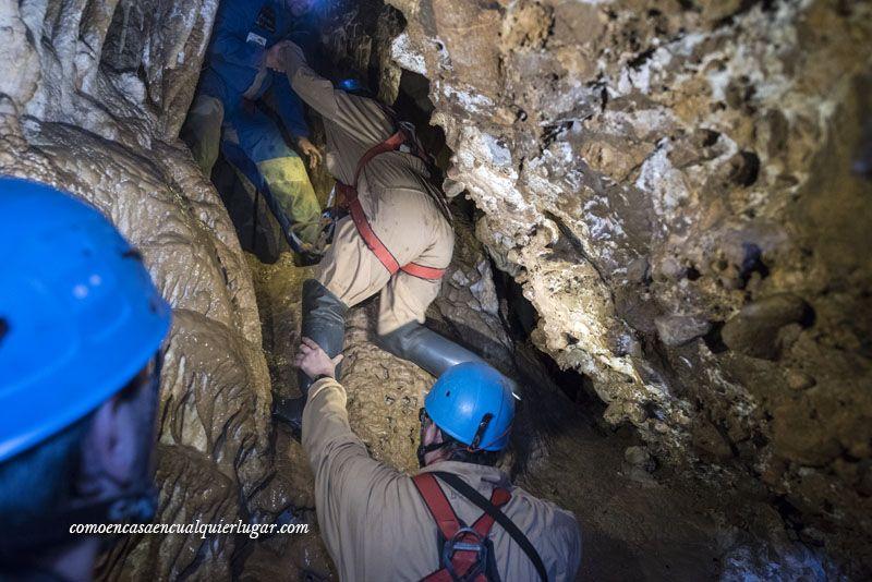 Cueva Fuentemolinos Puras de villafranca Burgos foto Miguel Angel Munoz Romero_006