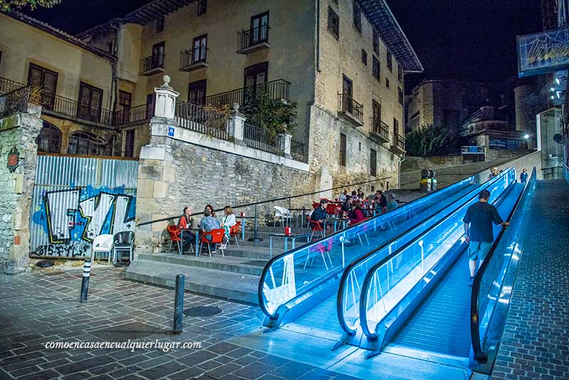 Vitoria Gasteiz calle zapateria escaleras mecanicas