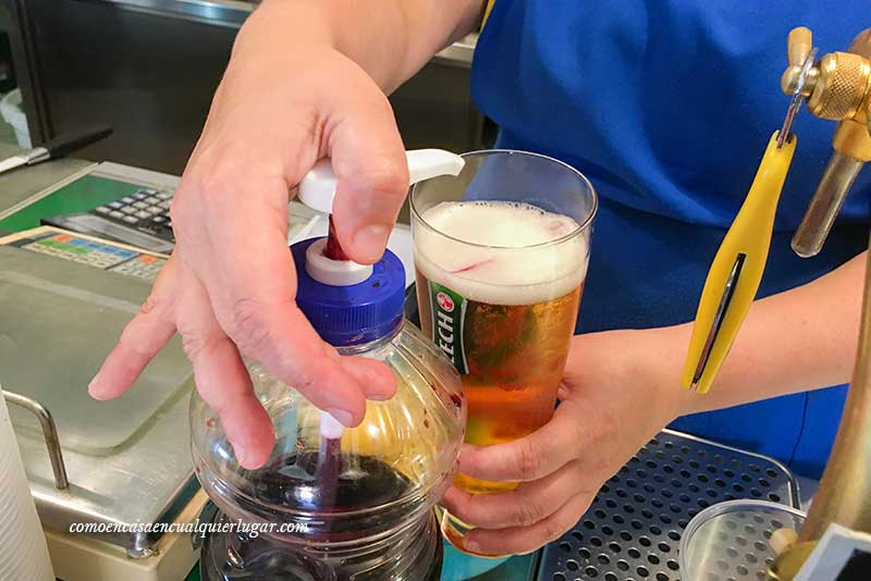 Que ver en la isla de Wolin Miedzyzdroje cerveza con sirope