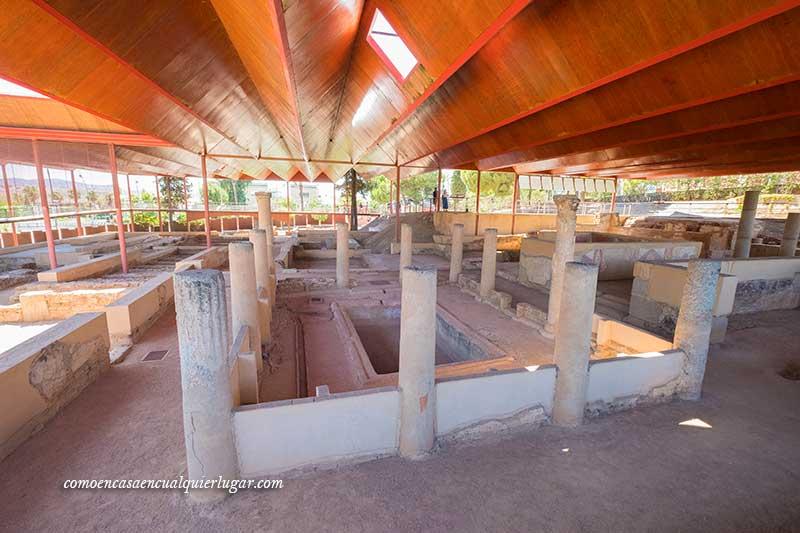 Casa del Mitreo y Área Funeraria de los Columbarios