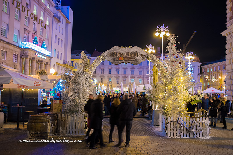 Croacia en Navidad mercadillo de Navidad de Zagreb