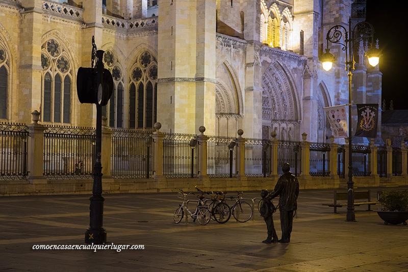 catedral de leon nocturno